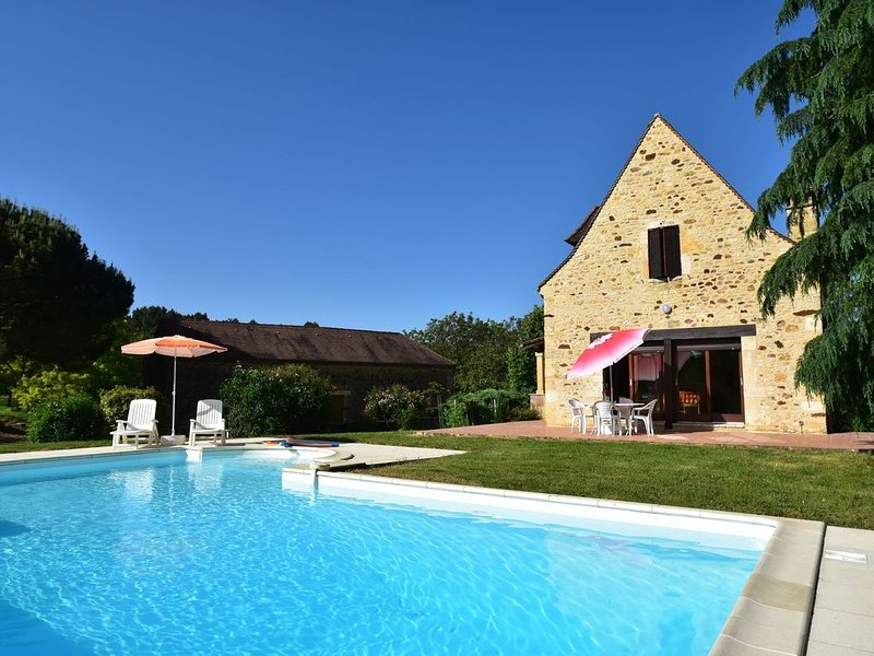 Vintage Holiday Home in Orliac with Private Pool, holiday rental in Saint-Laurent-la-Vallee