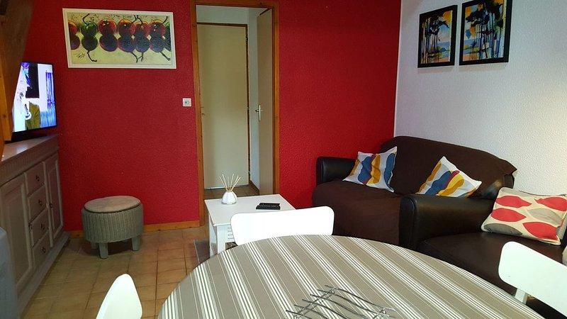 Royan: MAISON tout confort 700 m plage Royan / parking privatif, vakantiewoning in Medis