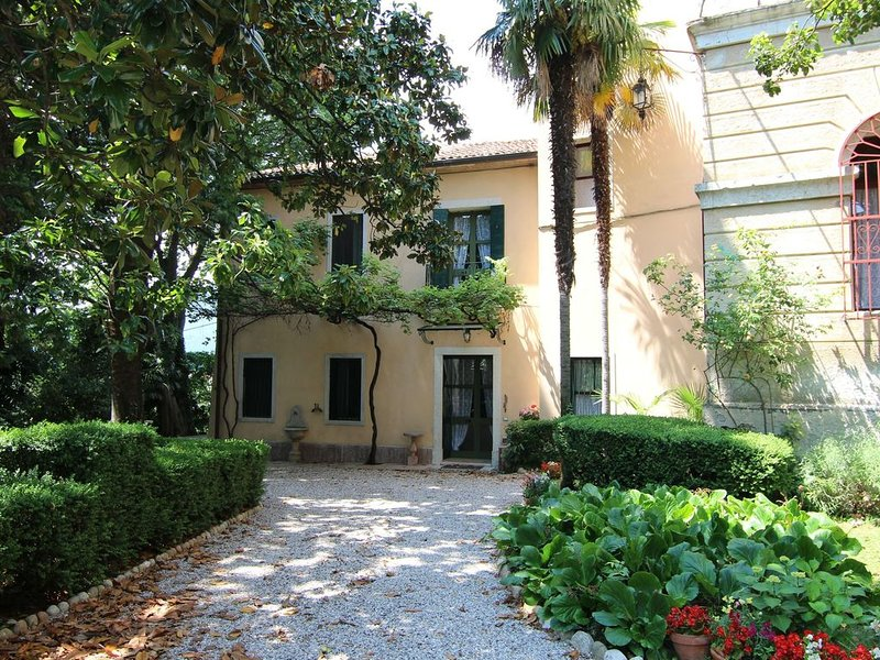 Cosy Holiday Home in Romano with Garden, holiday rental in Bertigo