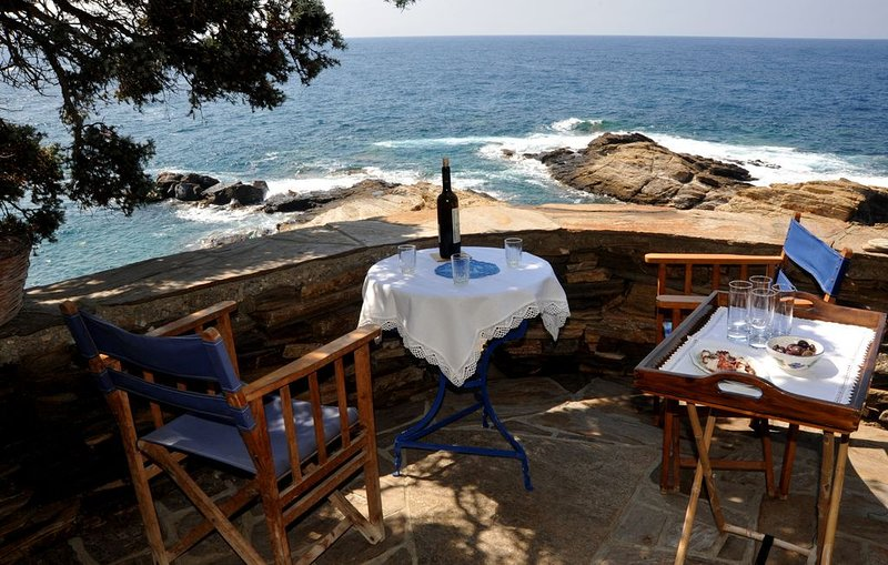 LIVE ALTERNATIVE LUXURY OF THE AUTHENTICITY ™, holiday rental in Evdilos