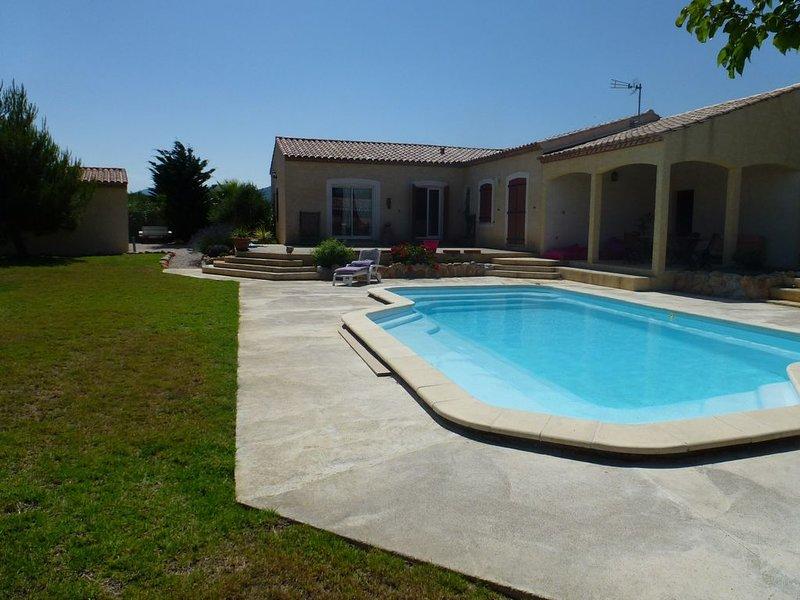 loue maison avec piscine à proximité de la mer, location de vacances à Roquefort-des-Corbières