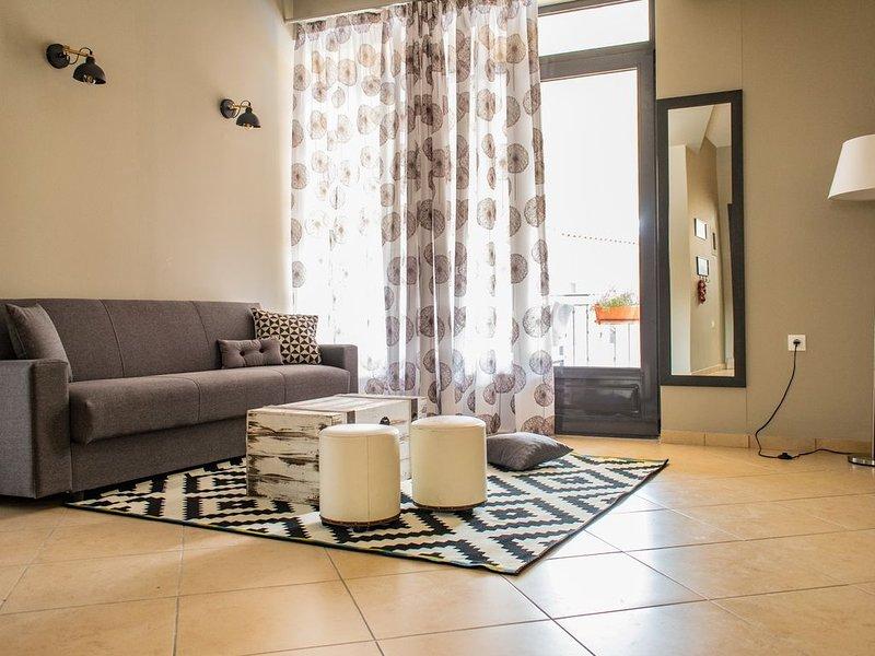 Moonstone house B. Ermou 167 apartment, Ferienwohnung in Varia