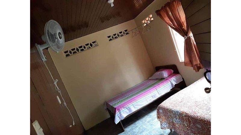 Confortable y Amplia Casa Esmeralda, totalmente equipada, aluguéis de temporada em La Fortuna