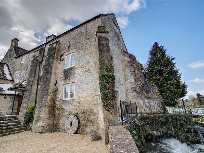 Arlington Mill, BIBURY, holiday rental in Barnsley
