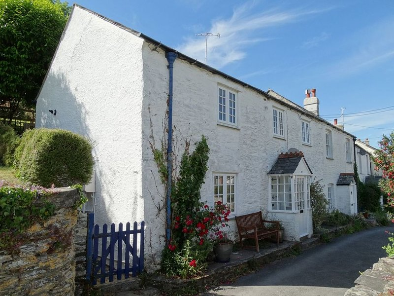 Mollys Cottage, NOSS MAYO, vacation rental in Noss Mayo