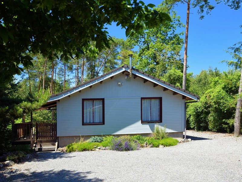 Cozy Chalet in Ardennes with Fenced Garden and covered terrace!, casa vacanza a Barvaux