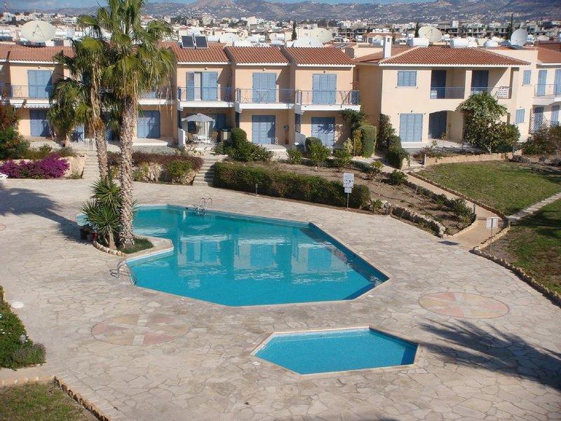 Jardins et piscine bien entretenus