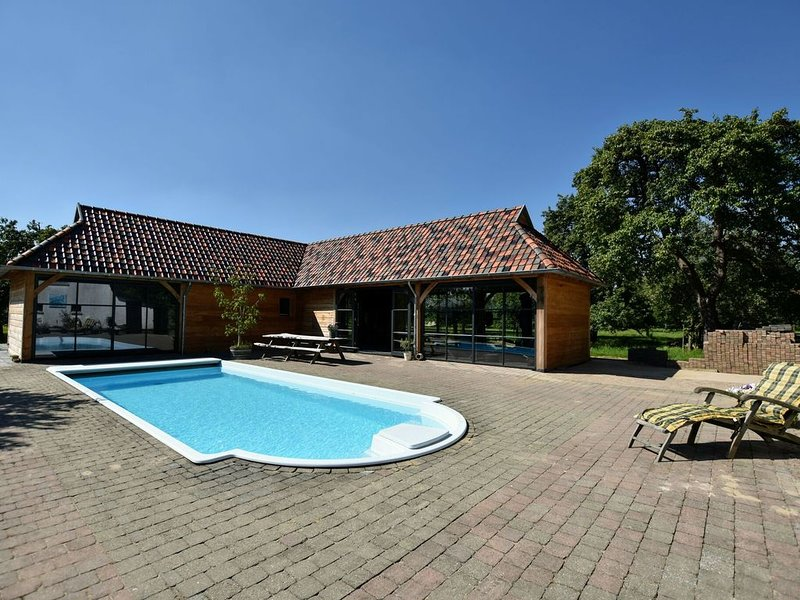 Spacious Holiday Home in Herveld with Pool, holiday rental in Arnhem