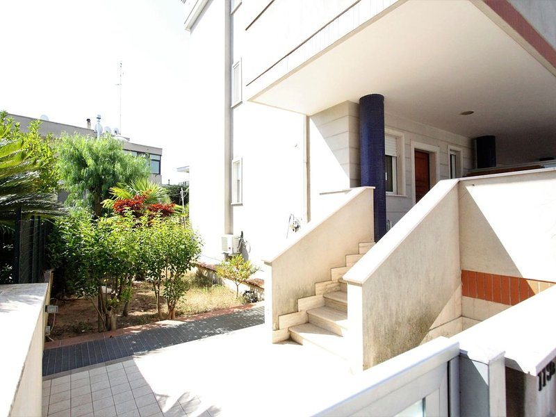Appartamento zona Grotte, holiday rental in Scamardella