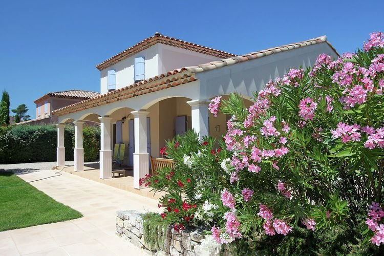 Attractive holiday villa on the Sainte Baume massif, holiday rental in Nans-les-Pins