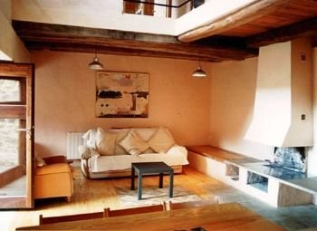 Casa completa para 6 personas, holiday rental in Buiza