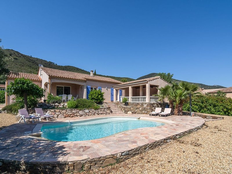 Spacious Villa in Roquebrun with Swimming Pool, holiday rental in Vieussan
