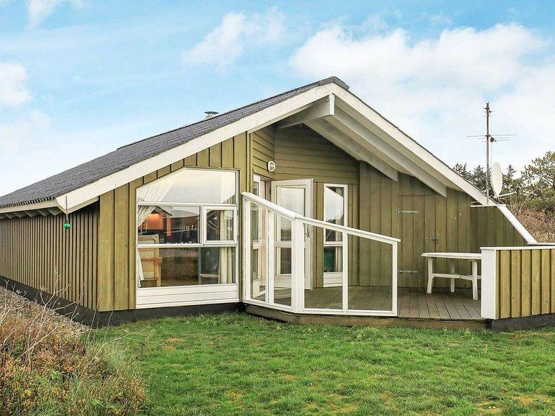 Traditional Holiday Home in Hvide Sande with Sauna, location de vacances à Hvide Sande