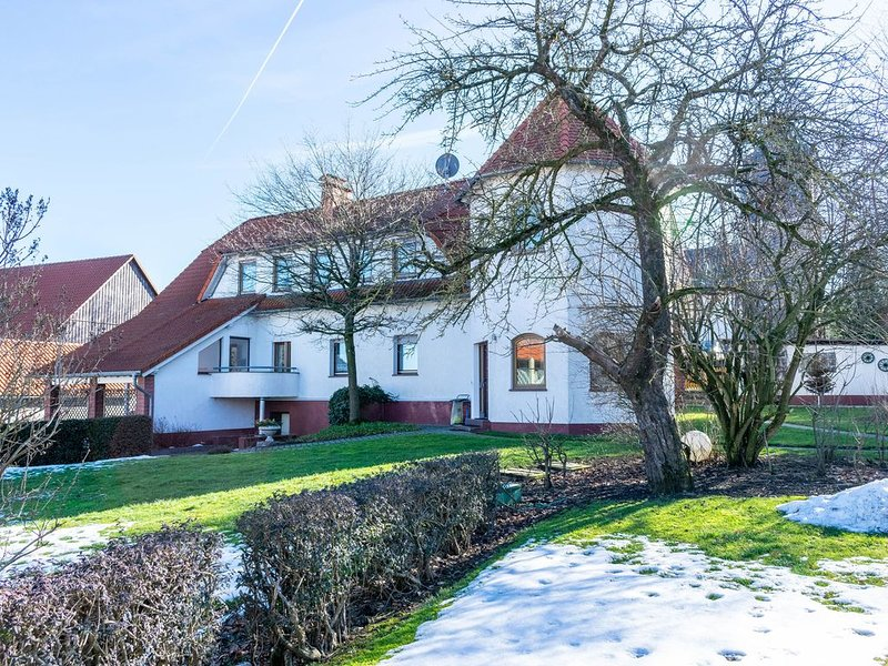 Quaint Apartment in Eimelrod near Lake and Water Sports, holiday rental in Helminghausen