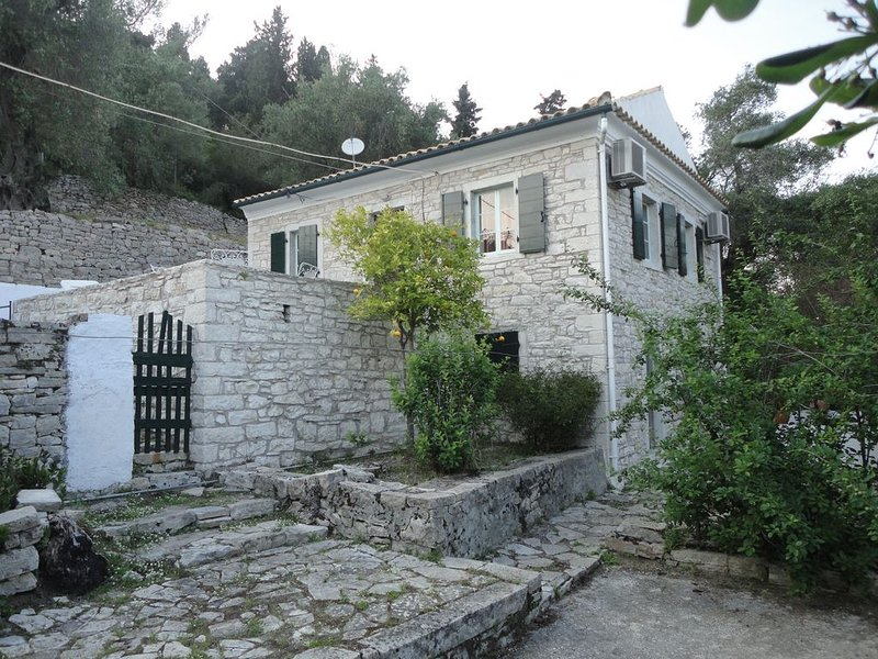 Paxos - Lakka Holiday Villa Christina Country House- 5 min walk to sea/village, vacation rental in Lakka