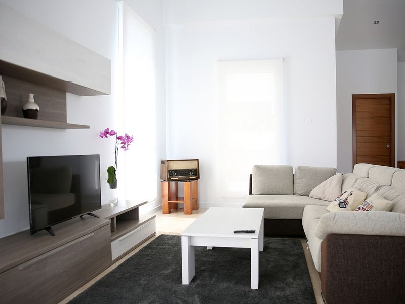 Villa - 3 Dormitorios con Piscina y WiFi - 107246, casa vacanza a O Grove