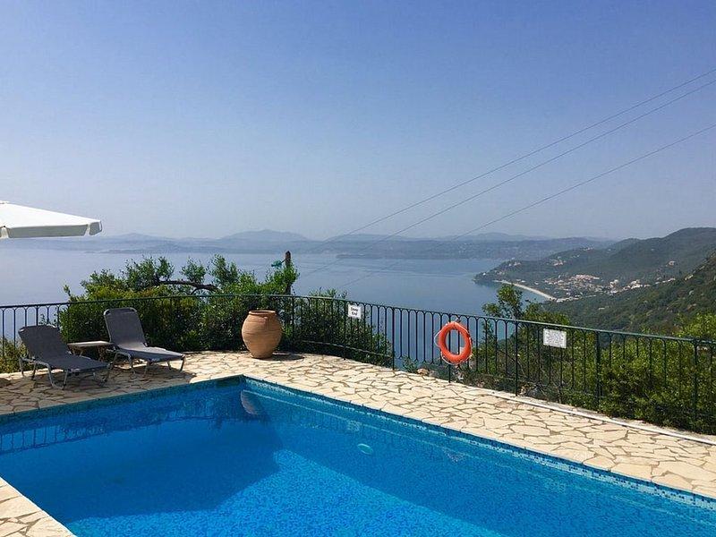 Stylish Villa, A/C, Private Pool, Stunning Sea Views from all Rooms/Terraces clo, alquiler de vacaciones en Katavolos