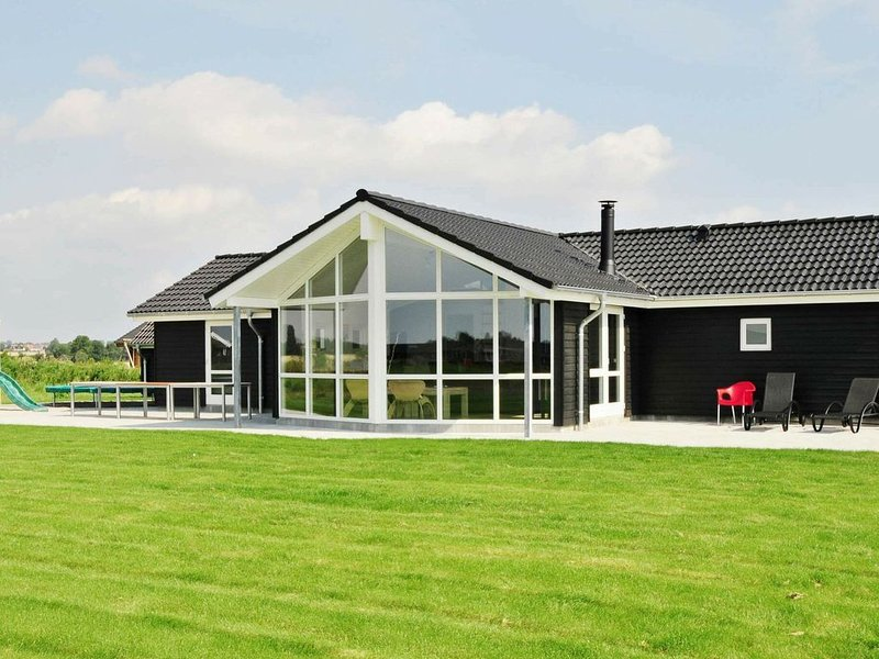 Urbane Holiday Home in Sydals with Whirlpool – semesterbostad i Sönderborg