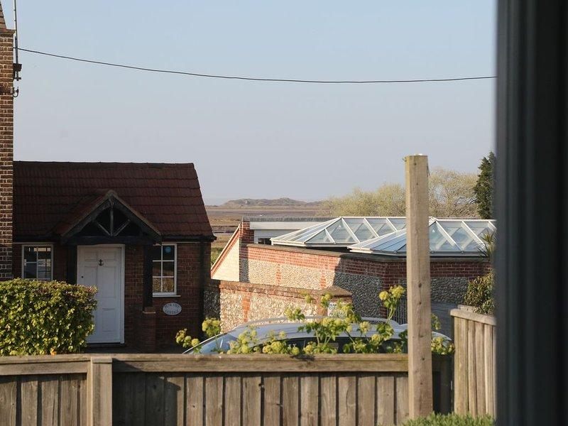 Vista della casa su Scolt Head Island dalla camera doppia 2.