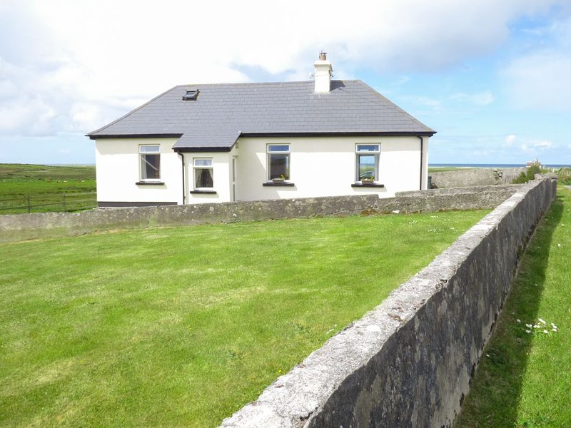 Ocean View, LOUISBURGH, COUNTY MAYO, vacation rental in Louisburgh