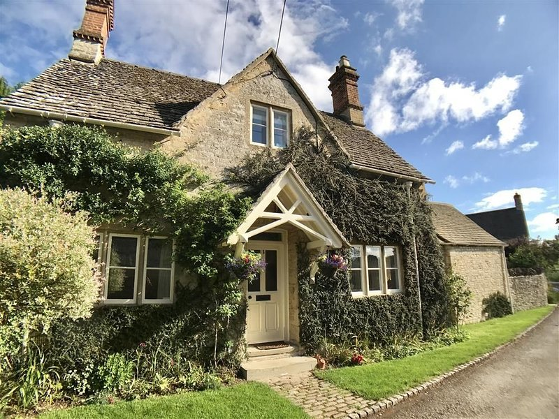The Lodge, COLN ST ALDWYNS, vacation rental in Fairford