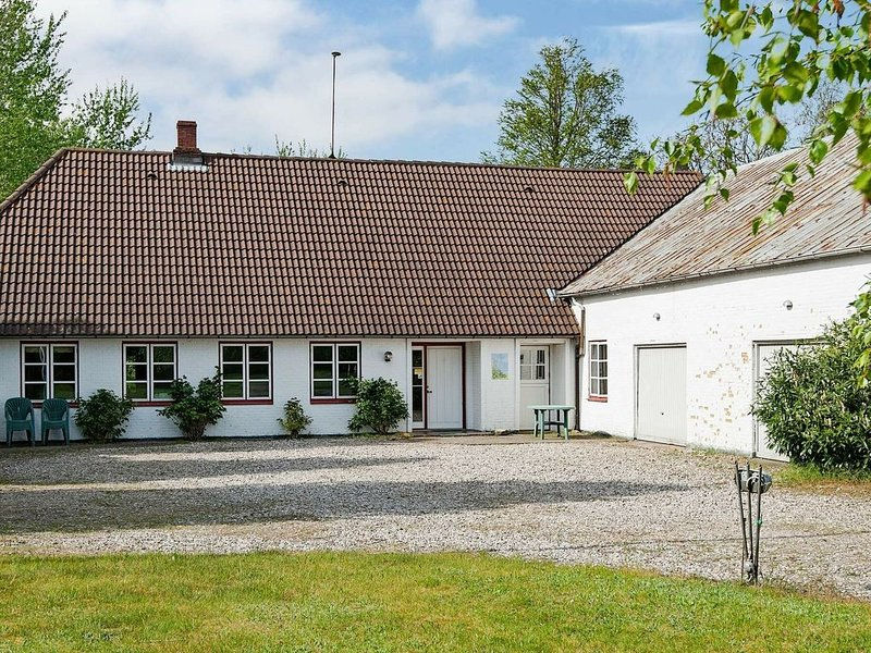 Colonial Holiday Home in Nordborg with Garden – semesterbostad i Varnaes
