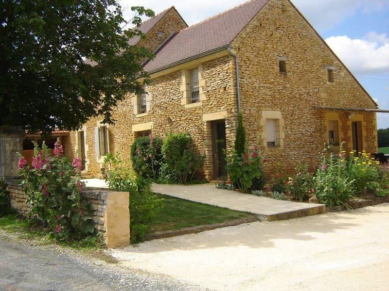 Gite de charme (10 pers) avec piscine en Périgord Noir proche Sarlat, Dordogne, holiday rental in La Chapelle-Aubareil