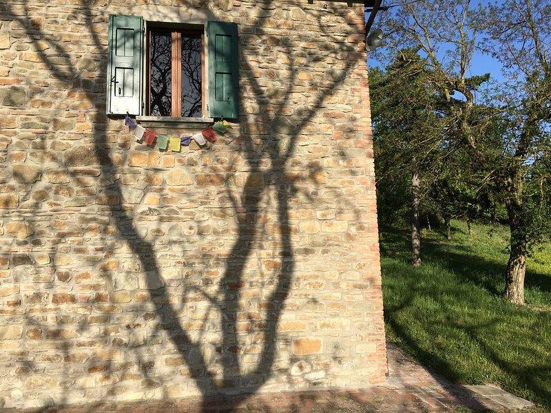 Rustico tra le querce e le tamerici, nella Valle Del Sillaro., alquiler vacacional en Borgo Tossignano