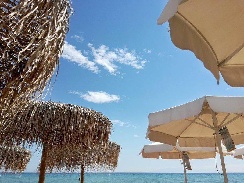 Villa - Front of the sea, holiday rental in Nea Kallikratia