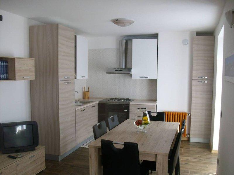 Appartamento Dolomiti a Tione di Trento, holiday rental in Stenico