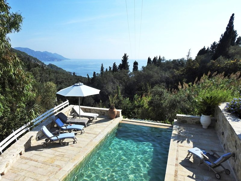 Amazing villa for 8 people in Corfu, vakantiewoning in Pelekas