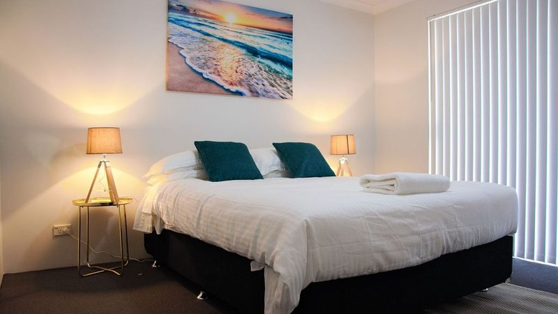 Azure Villa Close to City of Perth and Fremantle., vacation rental in Melville