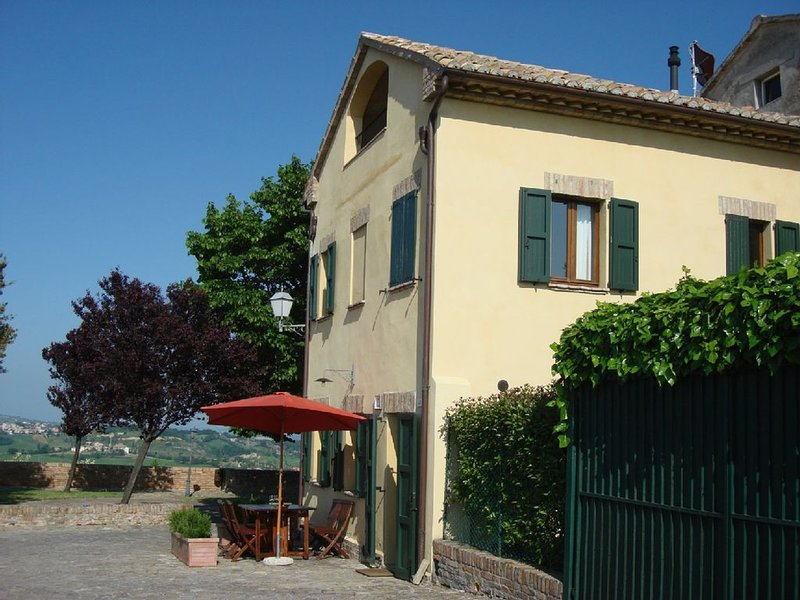 Uniquely situated, stunning, medieval village home with gorgeous panorama view, holiday rental in Mondavio