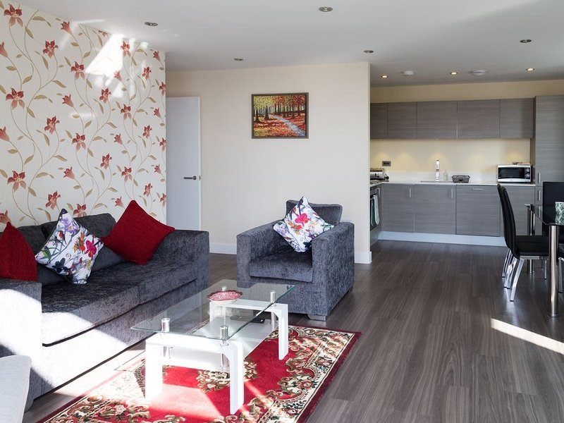 Stunning Penthouse with Parking & Balcony, 2 mins walk to Station, holiday rental in Shepreth