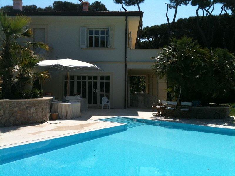 Suite in Villa con Piscina, casa vacanza a Fiorino