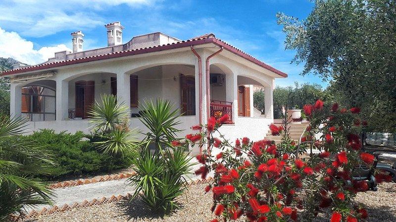 Villa Mariangela,  Panorama sul Gargano, holiday rental in Ippocampo