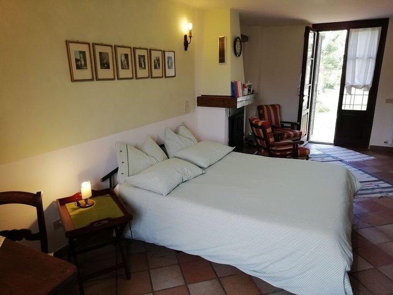 appartamento monolocale tra Pisa e Lucca 2 posti letto giardino parcheggio wi-fi, location de vacances à La Gabella