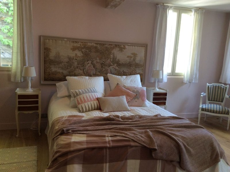 Magnifique petite maison médiévale au coeur du vieux Bergerac, holiday rental in Lamonzie-Saint-Martin