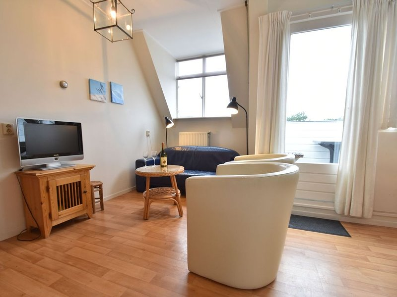 Family apartment on a large estate in Bergen aan Zee, near the dunes and beach, holiday rental in Bergen aan Zee