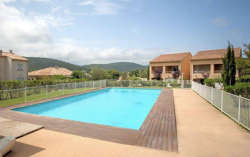Suberpe appartement dans résidence avec piscine, location de vacances à Poggio-d'Oletta