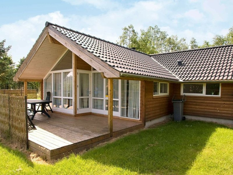 Beautiful Holiday Home in Rødby with Sauna, vacation rental in Nakskov