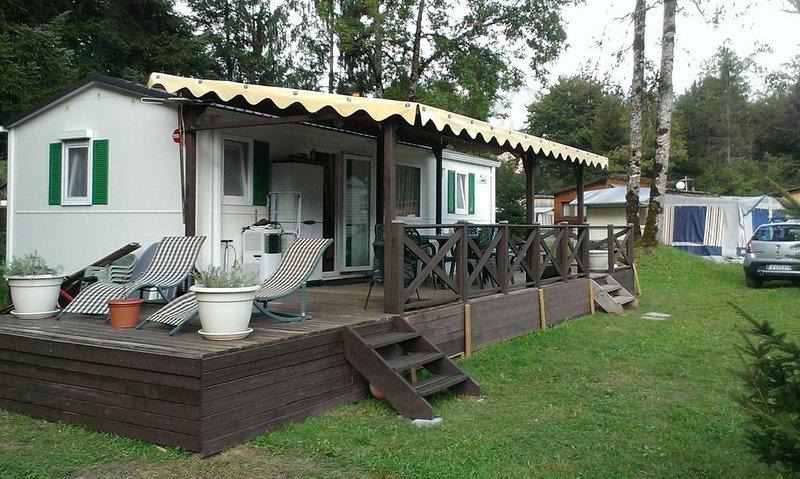 Mobilhome situé à VERCHAIX au camping 'Lac et Montagne'à 1 km de SAMOENS, holiday rental in Verchaix