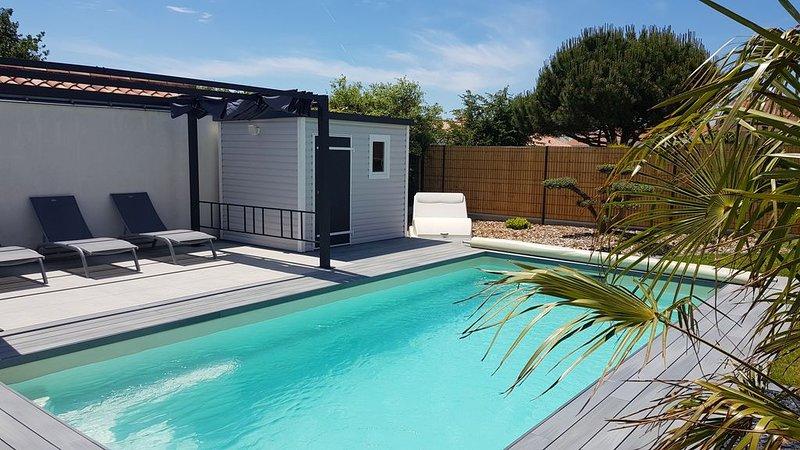 Villa avec piscine chauffée proche plage, centre, aluguéis de temporada em Bretignolles Sur Mer