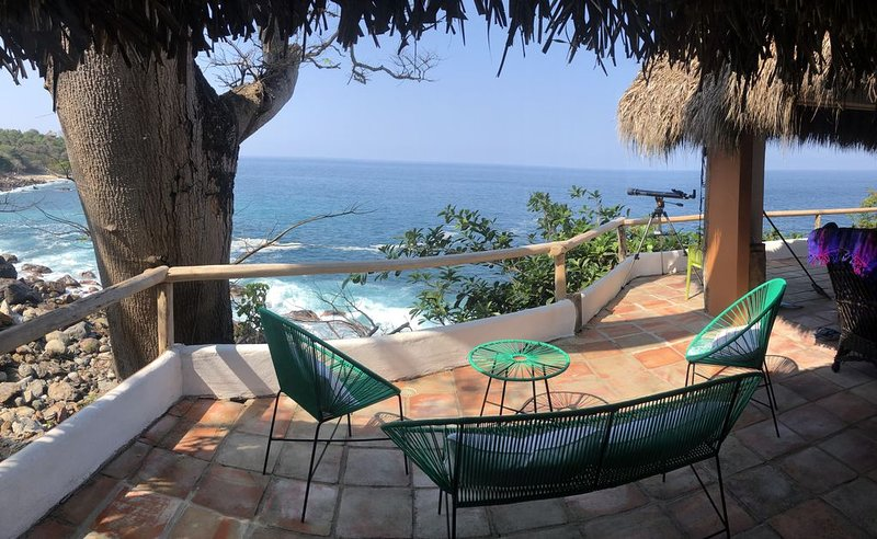 Secluded Private Oceanfront Retreat, alquiler vacacional en Tehualmixtle