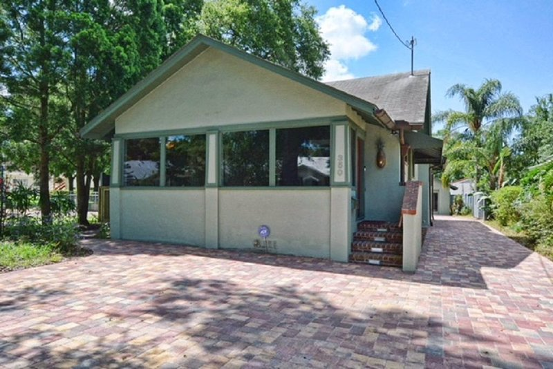 3 bed/2 bath upscale home in downtown Mount Dora, holiday rental in Umatilla