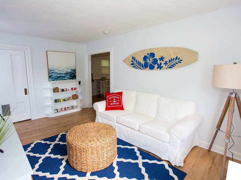 Beach Cottage Just Down the Street From First Beach!, holiday rental in Middletown