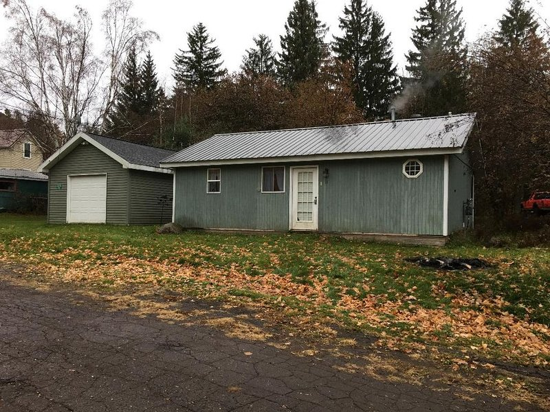 Small House in Montreal, WI   (Hurley, WI/Ironwood, MI area), holiday rental in Upson