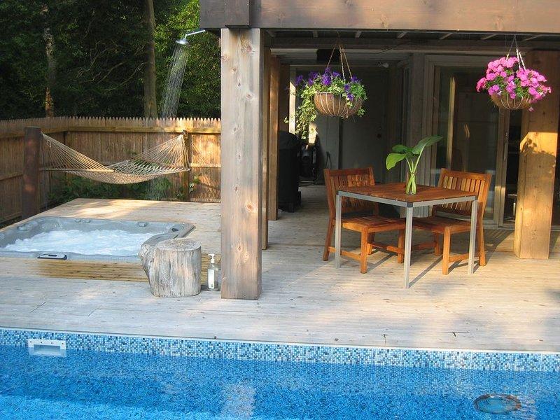 Summer 2019 Designer Pines poolhouse, heated pool, hot tub, aluguéis de temporada em Cherry Grove