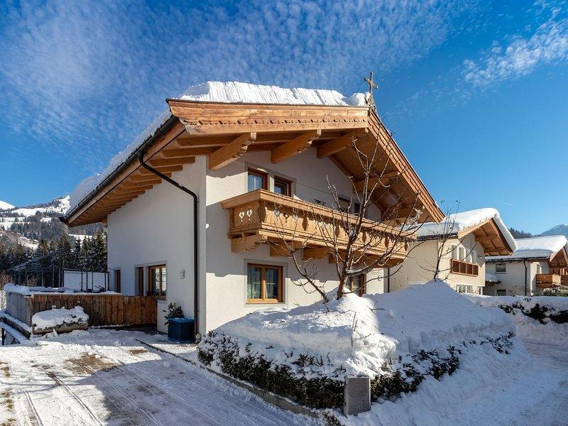Cosy Apartment in Kitzbuhel near Ski Lift, vacation rental in Kitzbuhel