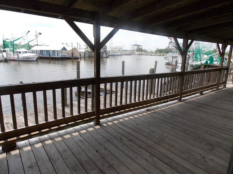 Jean Lafitte Harbor - BUNKHOUSE 2, holiday rental in Lafitte